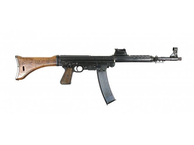 STURMGEWEHR! Walther's MKb 42(W)   Lock Stock and Barrel